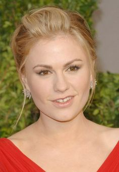 "2011 Vanity Fair Oscar Party  ""True Blood"" star -- and past Oscar winner -- Anna Paquin attends the Vanity Fair post-Oscar bash, held at Sunset Tower in West Hollywood."