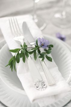 Pretty Spring Napkin Rings with Pansy