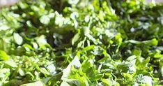 Tegnap  a piacon úgy tűnt, hogy mindenki petrezselymet árul.              Igaz már írtam róla , meg a tartósításáról, de kedvet kapt... Parsley, Herbs, Marvel, Plants, Herb, Plant, Planets, Medicinal Plants