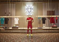 NIKE, Inc. - Nike Showcases 2014 #Football Innovations #Soccer
