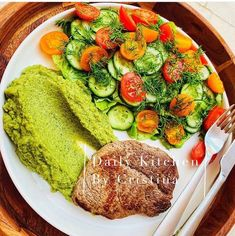 Broccoli, Unt, Ratatouille, Avocado Toast, Breakfast, Ethnic Recipes, Food, Morning Coffee, Essen