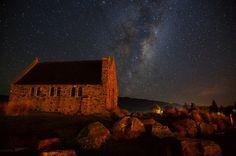 A cloudless night in Lake Tekapo, Canterbury, New Zealand.