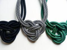 """Mi piace"": 9, commenti: 2 - Ateliê Nó Design Handmade (@atelienodesign) su Instagram: ""#inspiranó #handmade #nós #corda #necklace #ootd #design #style #acessórios"""