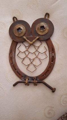 Horseshoes owl                                                                                                                                                                                 More