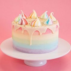 Unicorn Cakes: funfetti sponge, rainbow ombre fade, white chocolate drip and rainbow meringues! (chocolate icing for cake kids) Pretty Cakes, Cute Cakes, Beautiful Cakes, Amazing Cakes, Food Cakes, Cupcake Cakes, Chocolate Drip, White Chocolate, Chocolate Frosting