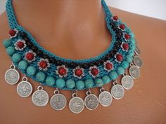 Turquoise Necklace Crochet Necklace Spring-Summer by FIGENTAKI I needed to show you making a bracelet … Collier Turquoise, Coral Turquoise, Turquoise Necklace, Beaded Necklace, Stone Necklace, Colar Mix, Jewelry Editorial, Summer Necklace, Jewelry Model
