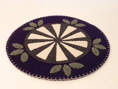 Art Deco Inspired Reclaimed Wool Felt Candle Mat door Scissaroo