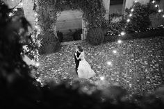 dance under the string lights | Laura Leslie #wedding