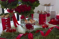 Setting the perfect holiday table just got easier. We got tips from entertaining pro Debi Lilly at the Safeway Holiday Workshop at the Bryant Park Hotel. Christmas Buffet Table, Christmas Centerpieces, Holiday Tables, Holiday Parties, Christmas Decorations, Table Decorations, Holiday Decor, Christmas Lunch, Christmas Love