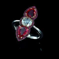Red and White! #red #ruby #noheat #diamond #gold #ring #ivy  #ivynewyork www.ivynewyork.com I Love Jewelry, Art Deco Jewelry, Jewelry Ideas, Jewelry Box, Jewelry Watches, Fine Jewelry, Gold Ring, Diamond Rings, Antique Jewelry