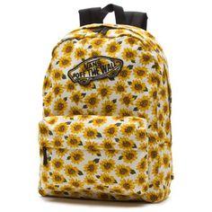 The Realm Backpack, está hecha de tela y poliéster resistente, cierre en el compartimiento principal, correas ajustables, espalda acolchada, asa, logo de Vans en los cierres, parche Vans OTW y 22 litros de capacidad.