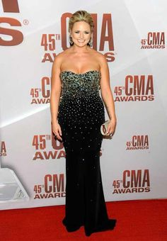 Miranda Lambert looks amazing in Haute Hippie on the red carpet at the CMA Country Music Association awards!