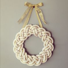 Now is THIS holiday-ey enough? - - Now is THIS holiday-ey enough? Rope Crafts, Beach Crafts, Diy And Crafts, Arts And Crafts, Christmas Wreaths, Christmas Crafts, Christmas Decorations, Christmas Ornaments, Xmas