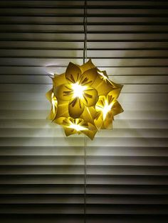 Handmade by HeidiH Diy Lampshade, Christmas Ideas, Table Lamp, Ceiling Lights, Pendant, Handmade, Crafts, Home Decor, Table Lamps