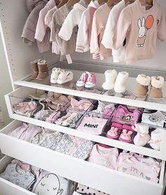 """2,868 Me gusta, 54 comentarios - Julia Gasparini (@juliagaspariniblog) en Instagram: """"Inspiração linda pra dar aquela coragem de você mamãe ir lá organizar as gavetas do bebê que eu sei…"""""""