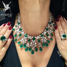 Feel the elegance with these gorgeous emeralds jewels by @DAVIDMORRISJEWELLER