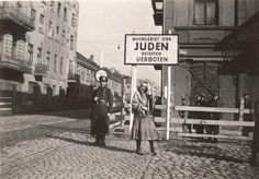 Ghetto Pictures From the Holocaust | The Lodz Ghetto 1940 - 1944: story, pictures and information - Fold3 ...