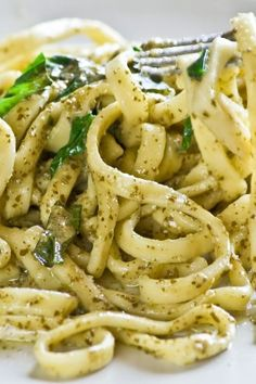 Fettuccine with Spinach Pesto  (Fettuccine, Walnuts, Garlic, Baby Spinach, EVOO, Lemon) - Yummm! (KitchMe)