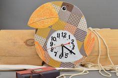 Schöne originelle Wanduhr aus Holz Vogel Decoupage von Volles Haus auf DaWanda.com