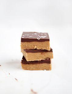 No-Bake Peanut Butter Bars @themerrythought
