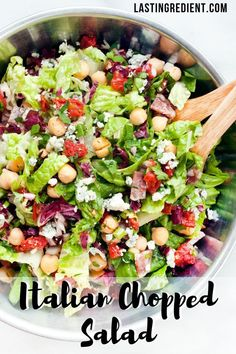 makes these spontaneous salads so good is the different textures and flavor. - Gorgeous Healthy Salad Recipes -What makes these spontaneous salads so good is the different textures and flavor. Chef Salad Recipes, Italian Salad Recipes, Italian Chopped Salad, Chopped Salad Recipes, Green Salad Recipes, Chicken Salad Recipes, Healthy Salad Recipes, Chopped Salads, Lettuce Salad Recipes
