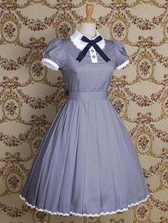 classic lolita | Tumblr. Make the tie smaller and it's perfect