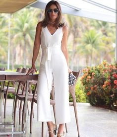salopete gorgeous white jumpsuit The Wonders Of 925 Silver Article Body: There are so many different White Outfits, Classy Outfits, Cool Outfits, Summer Outfits, Casual Outfits, Fashion Outfits, White Jumpsuit, White Dress, Pantalon Large