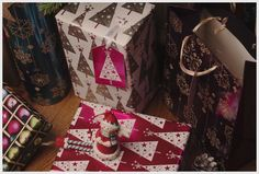 You can't go wrong with Christmas tree gift wrap.Especially in these beautiful colours!