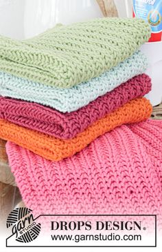 Free knitting patterns and crochet patterns by DROPS Design Dishcloth Knitting Patterns, Knit Dishcloth, Knitting Stitches, Crochet Patterns, Crochet Home, Free Crochet, Knit Crochet, Knitted Washcloths, Knitted Blankets