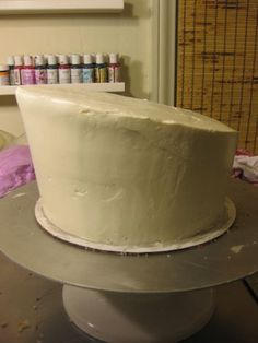 When I first starting baking and decorating cakes I was always amazed at Topsy Turvy Cakes. Fondant Cakes, Cupcake Cakes, Mad Hatter Cake, Cricut Cake, Cake Shapes, Cake Decorating Tutorials, Decorating Cakes, Diy Cake, Piece Of Cakes
