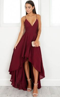 Burgundy Wine Red Prom Dresses Halter Sleeveless Hilo Evening Dresses Long Party Gowns Vestidos sold by loverlovebridal. Elegant Dresses, Pretty Dresses, Beautiful Dresses, Simple Formal Dresses, Stunning Prom Dresses, Simple Prom Dress, Glamorous Dresses, Hoco Dresses, Evening Dresses