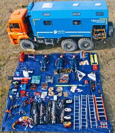 Art Of Fighting, Put Things Into Perspective, First Response, Bug Out Vehicle, Heavy Equipment, Military Aircraft, Offroad, Monster Trucks, Lego