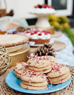 Summer Flair - Cookies wrapped with bakers twine