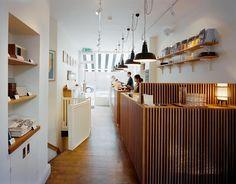 Monocle Cafe London - fint for snacks og spritz i solen. 18 Chiltern Street, W1U 7QA, London