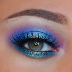 Bright blue by Make Me Up, How To Make, Makeup Store, Eye Makeup, Hair Color, Eyeshadow, Fancy, Bright Eyes, Beautiful
