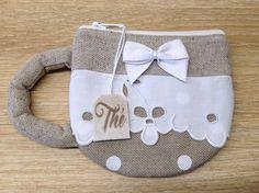 Pochette à thé ou porte monnaie en lin, lin a pois blancs et dentelle ancienne fait main pour sac a main