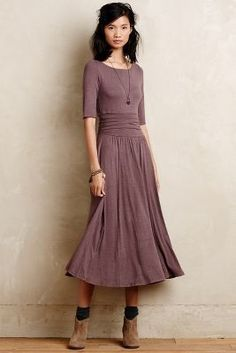 Bordeaux Jersey Midi Dress at Modest Outfits, Modest Fashion, Dress Outfits, Fashion Dresses, Women's Dresses, High Fashion, Mode Hijab, Mode Vintage, Looks Style