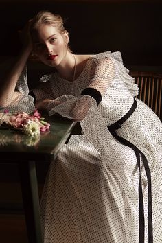 Vestido de novia en plumeti de Coosy White #novias #brides #blackweddingdress #vestidosdenovianegro #weddingdress #vestidosdenovia #bridalginspiration Amazing Wedding Dress, Bridal, High Neck Dress, Instagram, Wedding Dresses, Blog, Fashion, Templates, Victorian Dresses