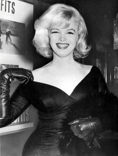 "Marilyn Monroe at premiere of ""The Misfits"", January 31st 1961."