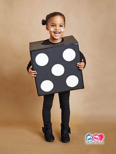 51 Kid Halloween costumes that are easy to make These costumes are faster than the lineup at the party store and easier than one of those fancy pumpkin-carving stencils. Diy Halloween, Boxing Halloween Costume, Halloween Costumes Kids Homemade, Halloween 2017, Halloween Stuff, Space Girl Costume, Corn Costume, Todays Parent, Crochet Christmas Decorations