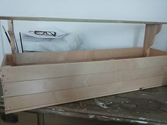 En trälåda som gjordes till mitt kök (innan målning)