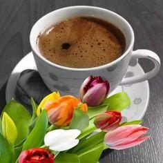 Buenos días i love coffee, coffee milk, coffee break, morning coffee, coffee Coffee Gif, I Love Coffee, Coffee Break, Coffee Drinks, Coffee Cups, Hersheys, Good Morning Coffee, Tea Sandwiches, Food Porn