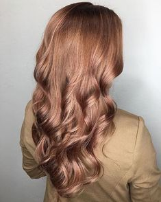 Gorgeous rose gold by @hnutts . . . #f18hair #formula18 #f18 #keephairhealthy #f18gamechanger #healthyhair #shinyhair #hairgoals #hairbrained #hairstyle #hairstylist #hairdresser #dreamyhair #allaboutdahair #hairvibes #repost#longhair #longhairstyle #longhairgoals#funhair #mermaidhair #mermaid #rosegold