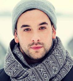 Felix-Antoine Tremblay Le Chalet, vrak.tv #lechaletchopchop Stars, Studio, Make Up Hair, Actor, Sterne, Studios, Star