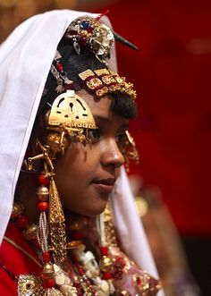 Veiled Tuareg girl with jewels, Ghadames, Libya