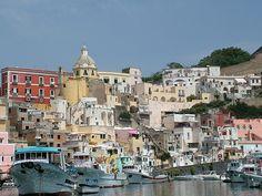Procida, Napoli, Procida је насеље у Италији у округу Напуљ, региону Кампанија. Према процени из 2011. у насељу је живело 10228 становника. Насеље се налази на надморској висини од 34 м