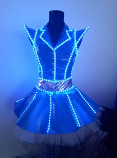 Outline the box in more feminine shape Costume Led, El Wire Costume, Led Light Costume, Mad Max Costume, Dance Costume, Light Up Costumes, Spider Costume, Space Costumes, Robot Costumes