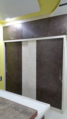 Here you will find photos of interior design ideas. Get inspired! Wall Wardrobe Design, Sliding Door Wardrobe Designs, Bedroom Built In Wardrobe, Wardrobe Interior Design, Bedroom Cupboard Designs, Bedroom Closet Design, Wardrobe Doors, Drawing Room Wall Colour, Modern Tv Wall Units