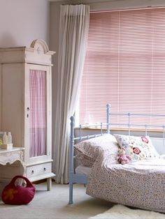 Shop our Range of Made to Measure Children's Blinds. Book a FREE In-Home Design Appointment or Order Free Samples Now! Cheap Home Decor Online, Home Decor Online Shopping, Cheap Diy Home Decor, Amazon Home Decor, Gold Home Decor, Diy Home Decor Bedroom, Cute Home Decor, Bedroom Ideas, Modern Kids Bedroom
