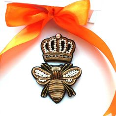 Brooch set, Bee and Crown Brooch, Crown Brooch, French Wire Brooch, Bee Brooch, Haute Couture Jewelry, Embroidered Pin, Beaded Brooch